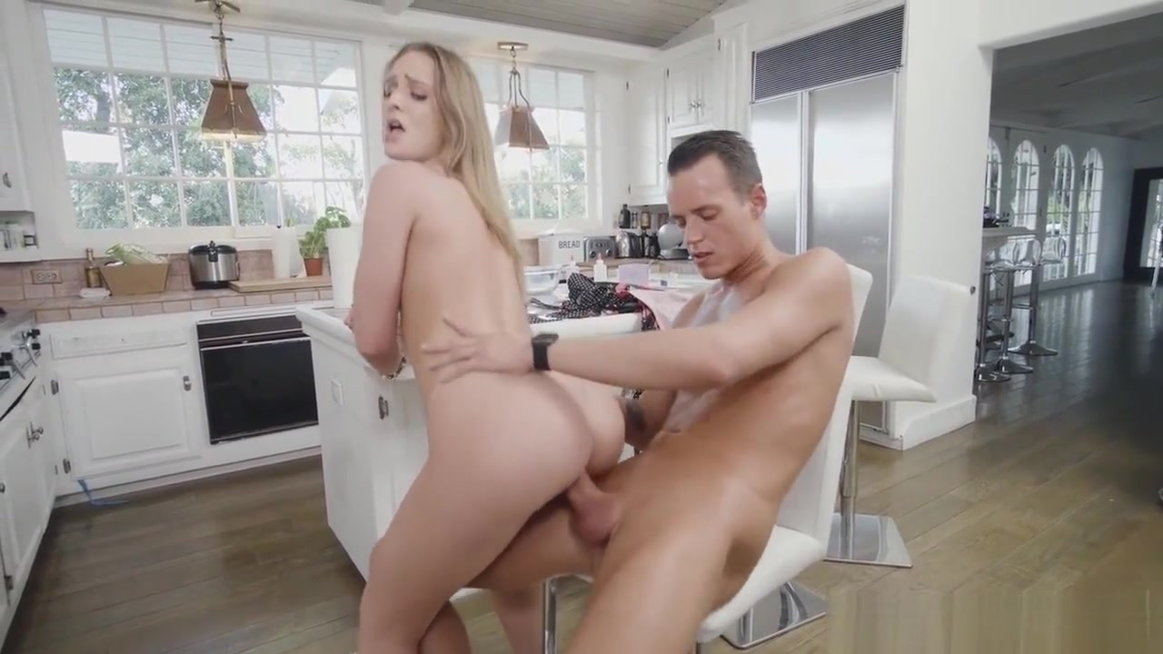 Naked FuckBook Tall girl sex with short man