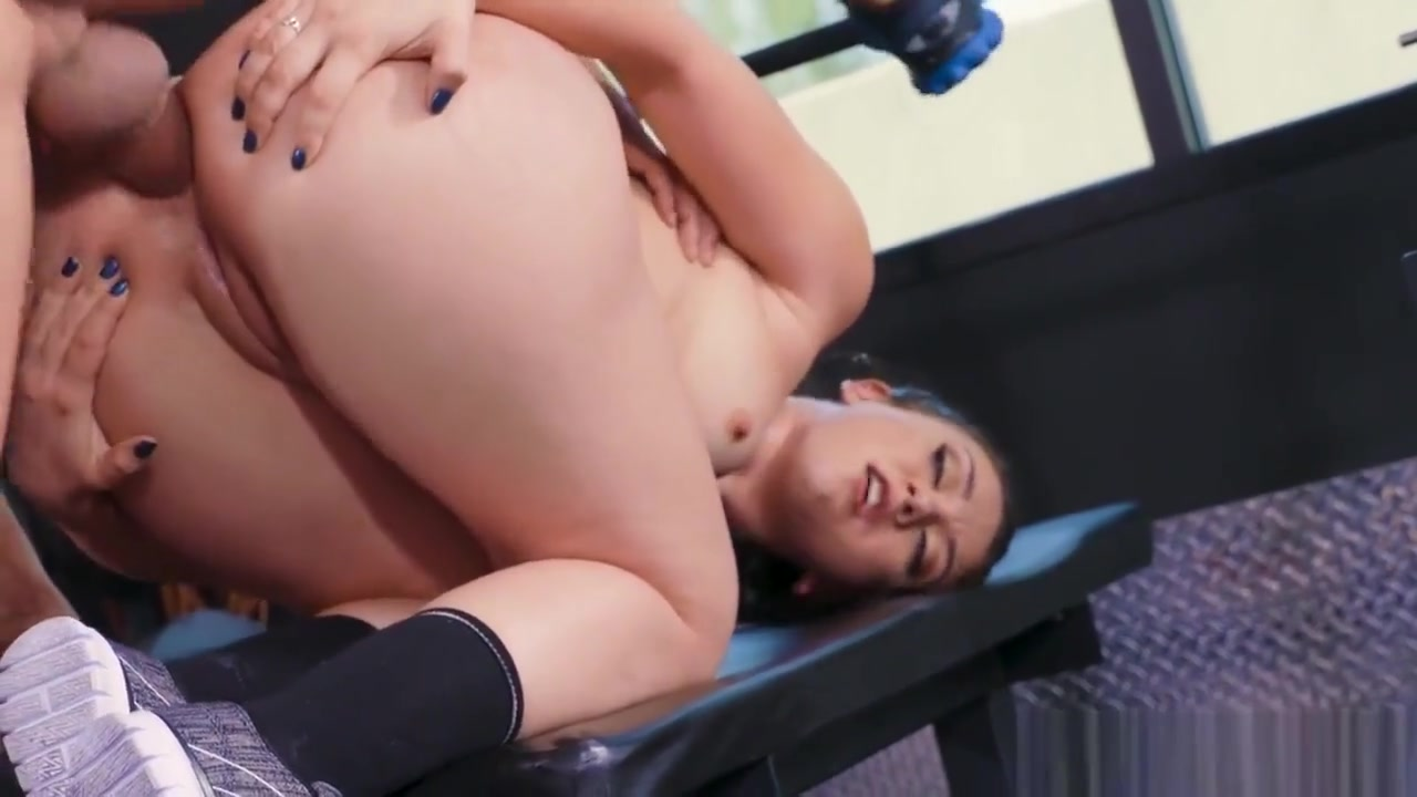 Trainer works her ass hard in the gym Full Hd Bf South Me