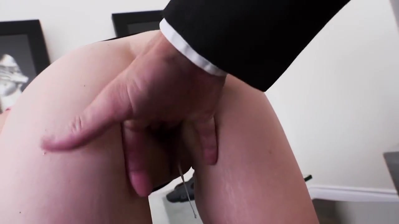 Kinky les pissing outside Quality porn