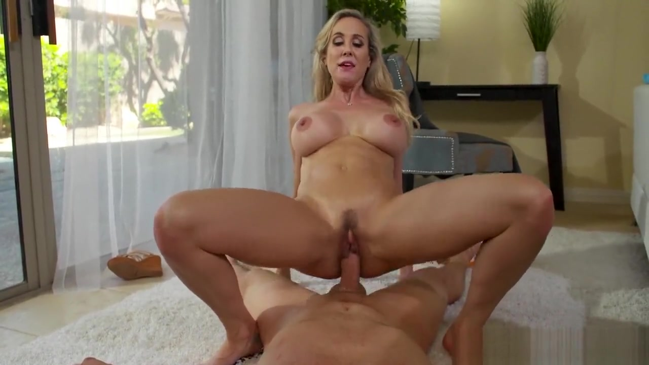 44 year old busty cougar yoga instructor Porn archive