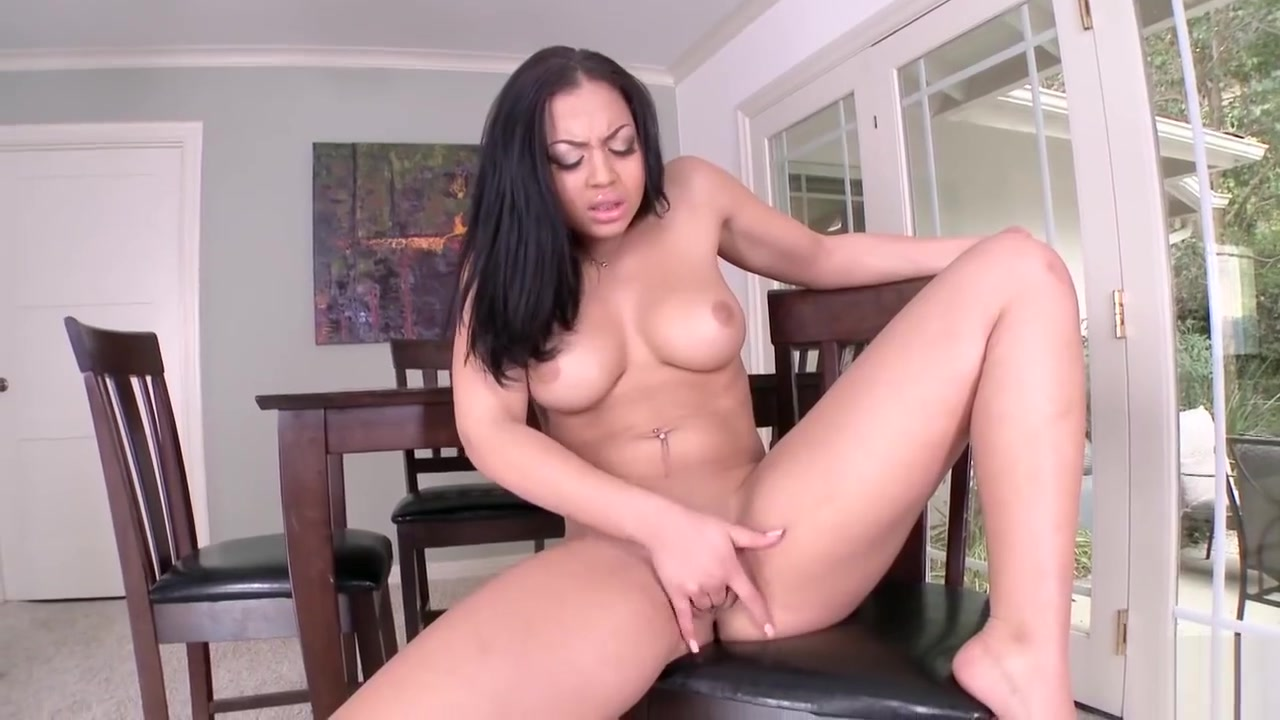 New porn Sexy fat thighs