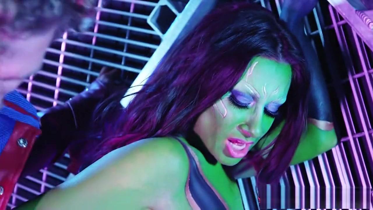 Sexy xXx Base pix Heather mills nude full frontal