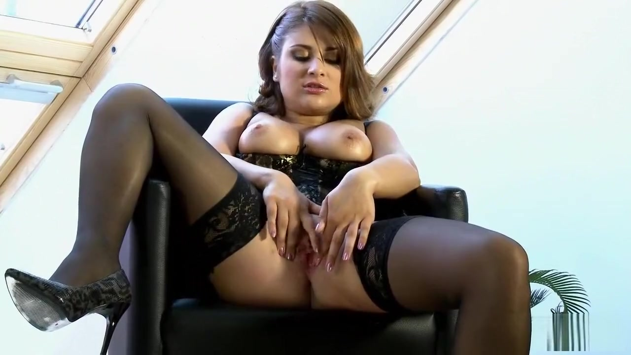 Buxom lingerie model gone wild