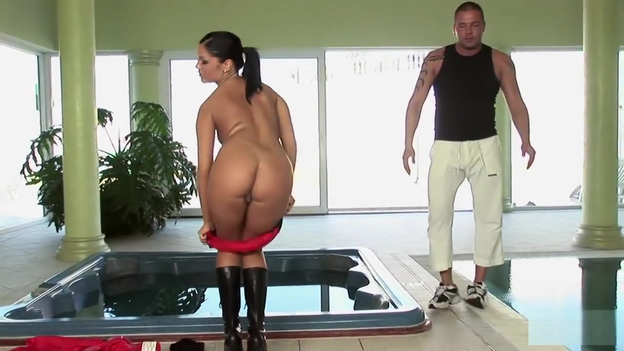 xXx Videos Beauties play with sex-aids
