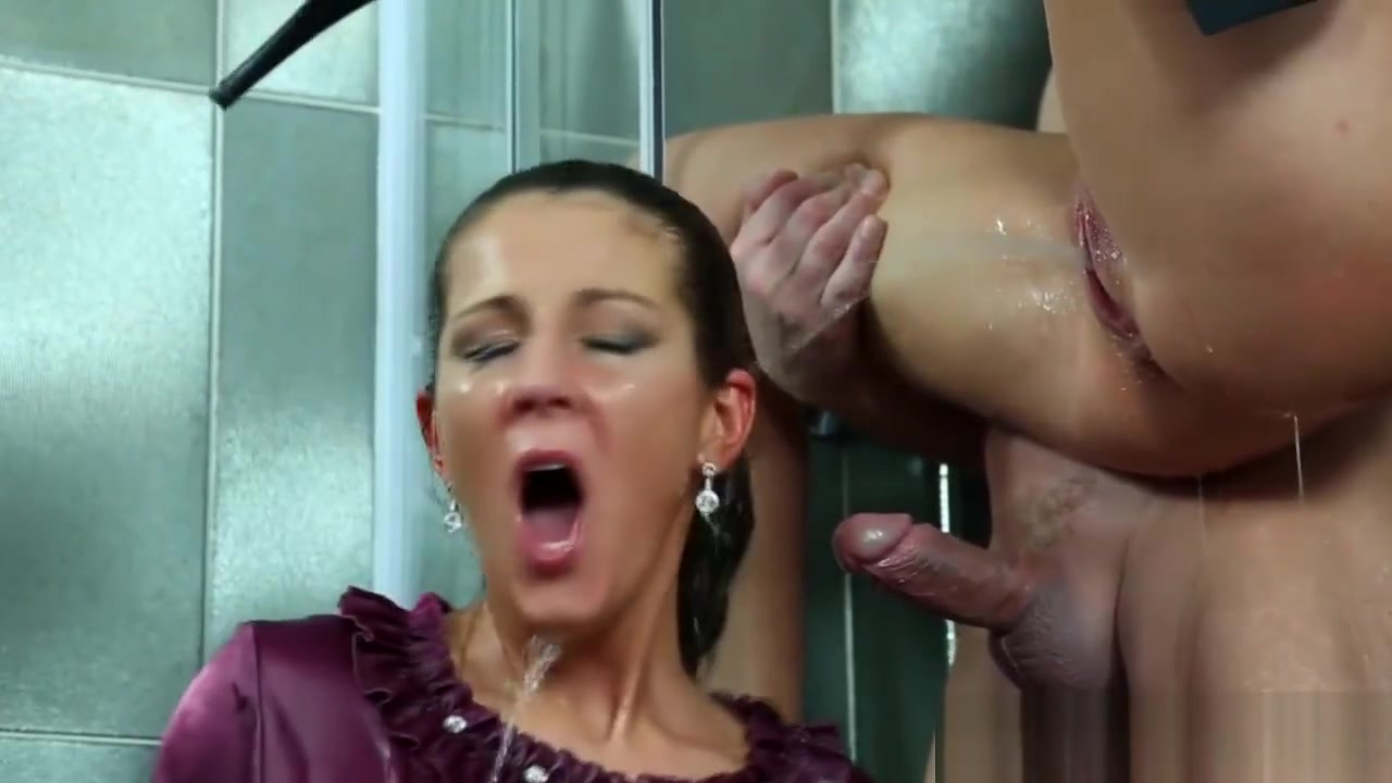 milf boob tease Pics and galleries