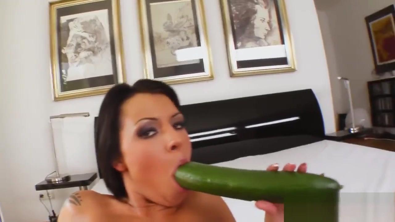 ashley judd bare naked Good Video 18+