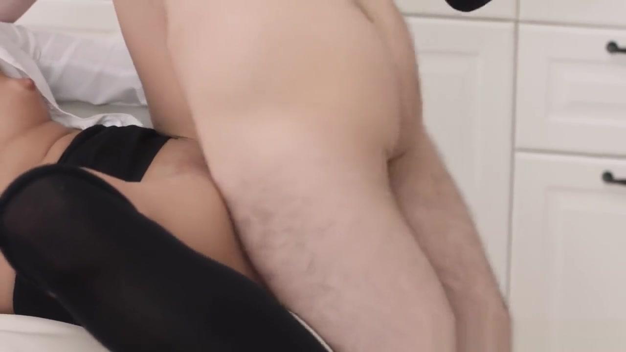 XXX pics Sunny Leone Solo Masturbation