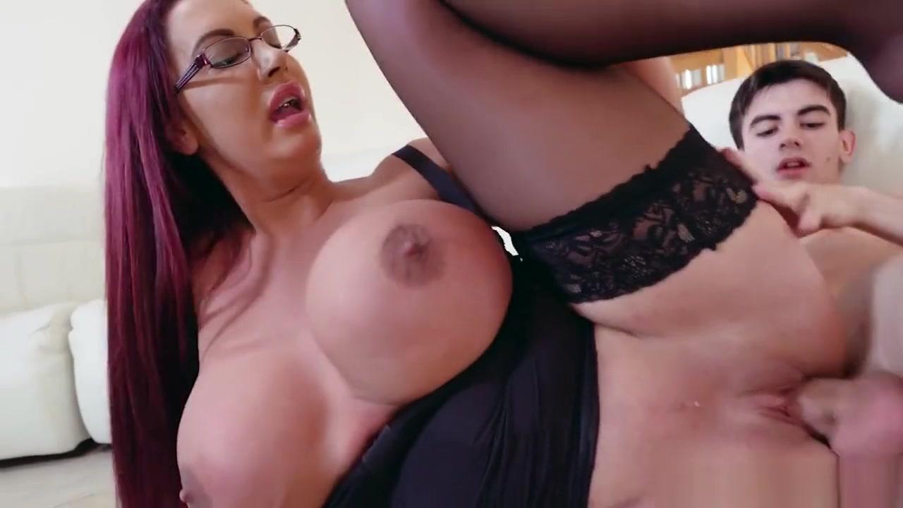 Curvy stepmom fucking her tiny boy Angline Balos Porn Videocom