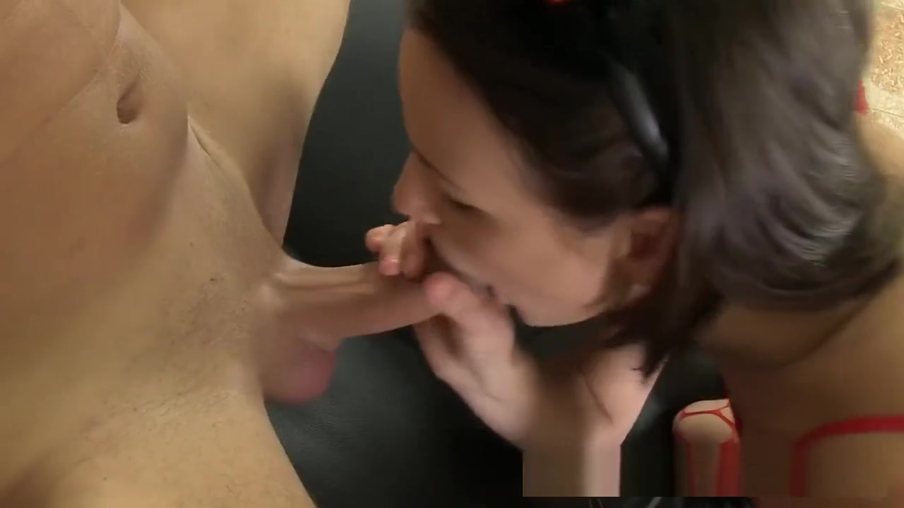 Sexy naked women in fitting room Nude gallery