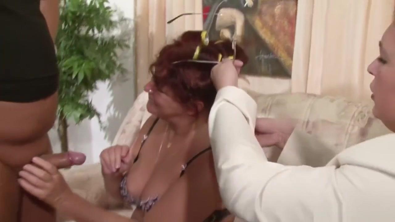 Ebony bathroom Porno photo