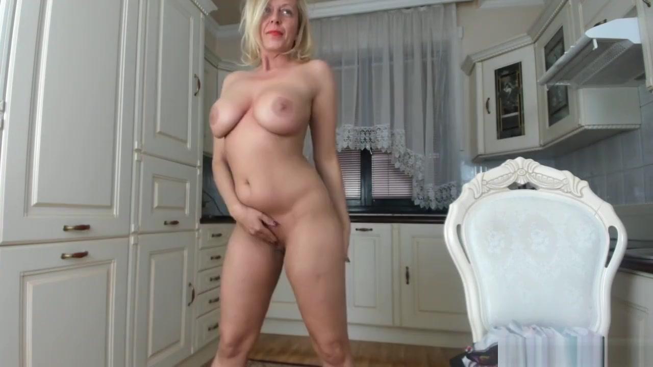 Hot porno Big tit cougar handjob cfnm cumshot