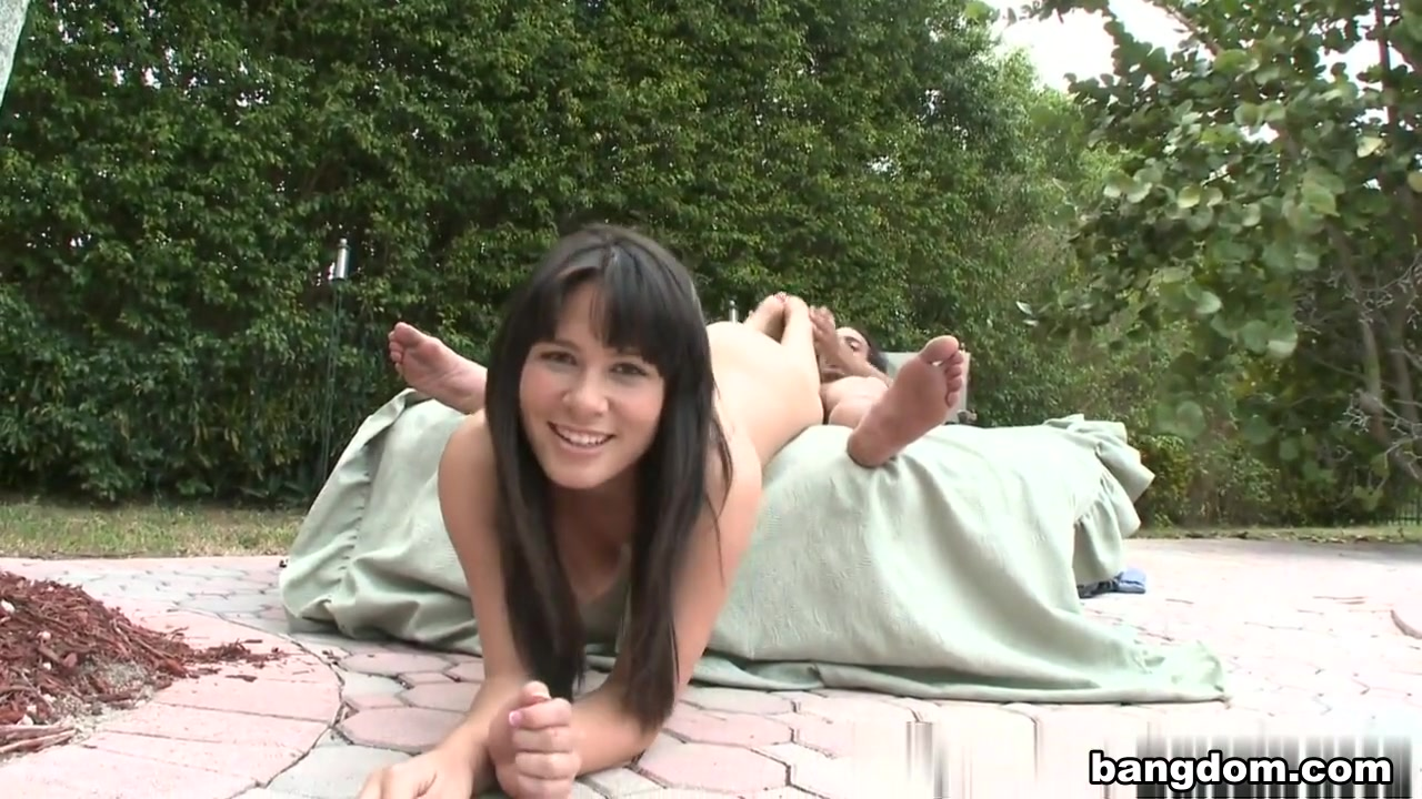 Miranda Kelly in Pool Side Footing in interracial porn vids white wife