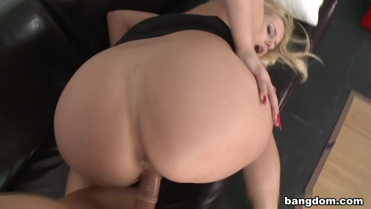 Mature gilf sucks cock on hidden cams Porn Base