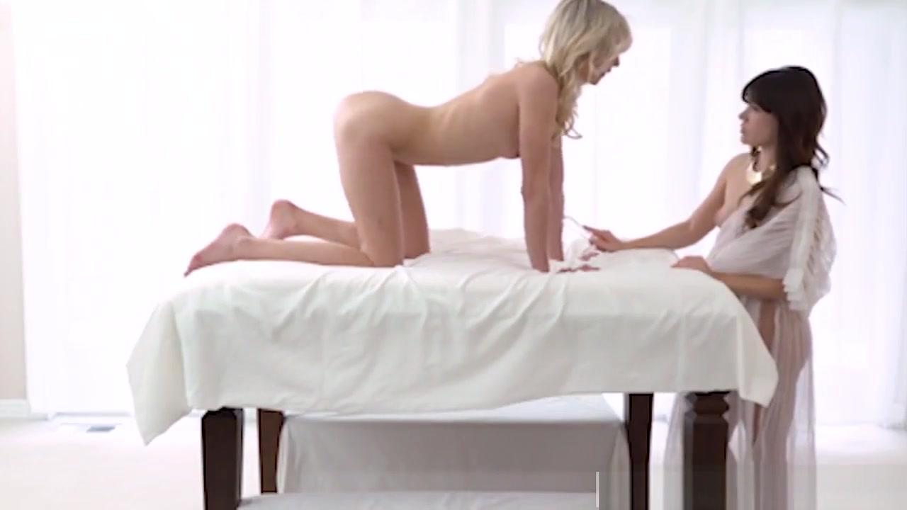 Twing lesbias sexu licking