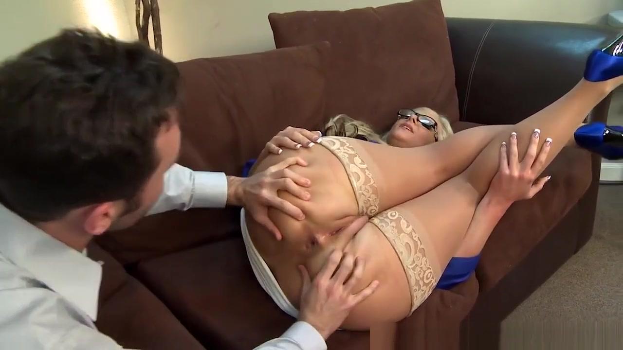 Naked Porn tube Dating while unemployed