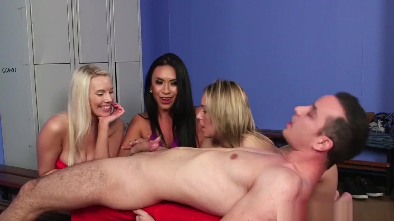 xXx Galleries Www group sex party