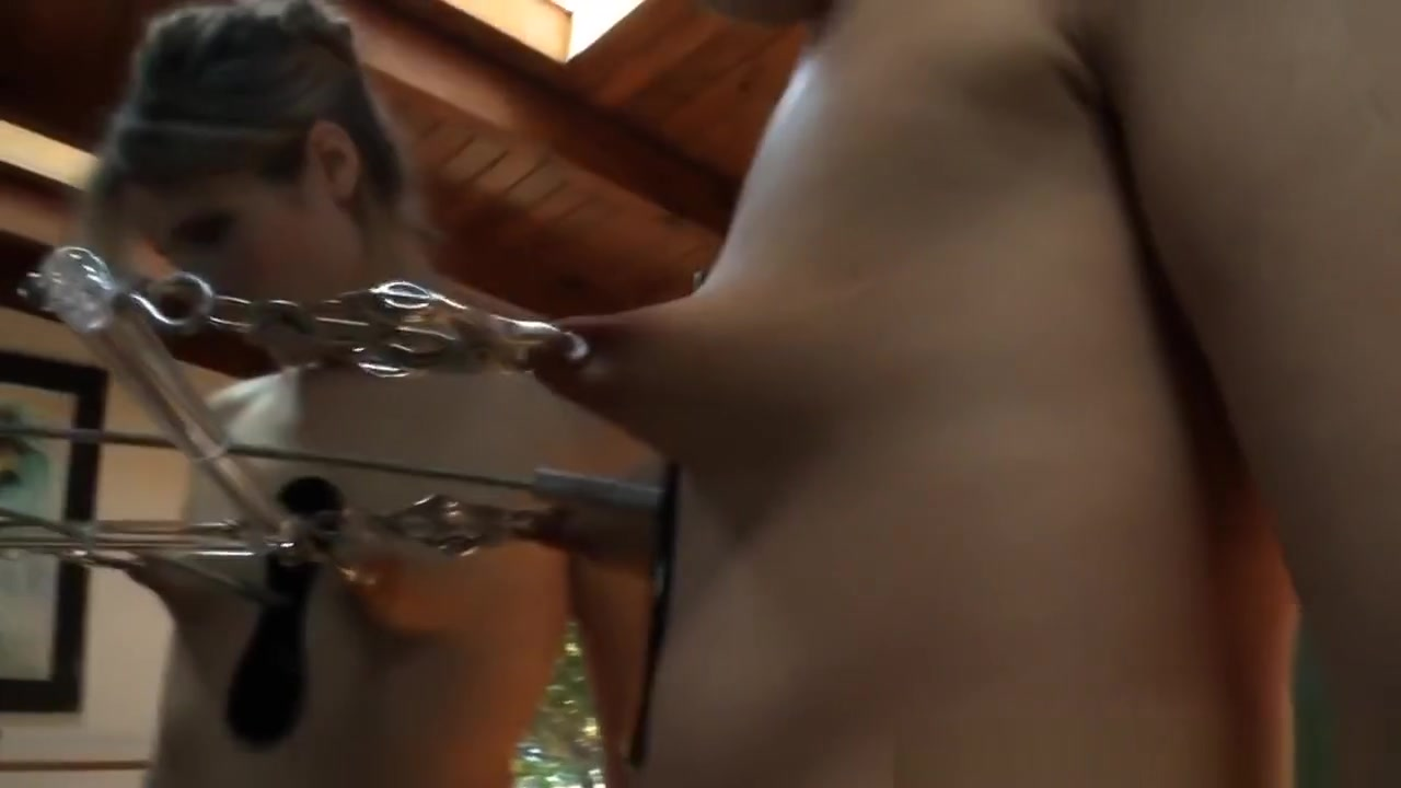 xXx Images Blonde milf goes to work outside