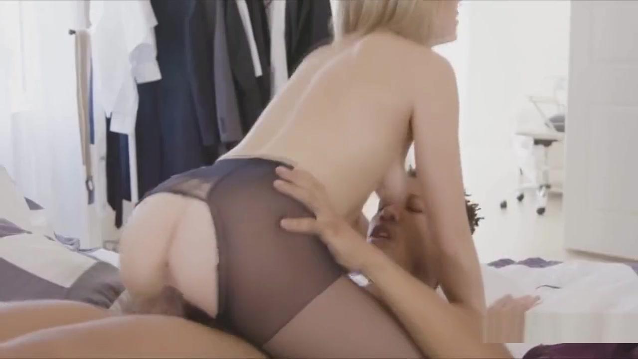 Ebony pissing pics Sexy Video