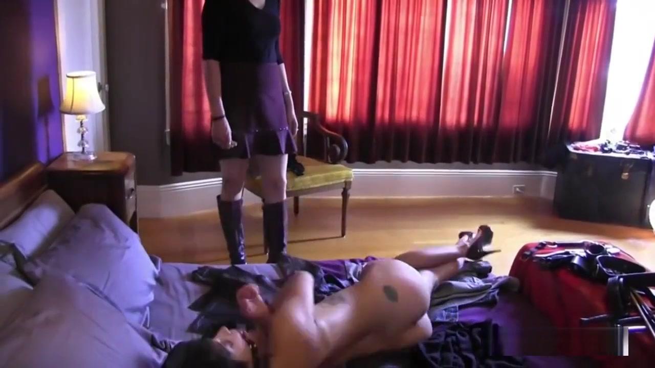 Tranny a blowjob cock gets big