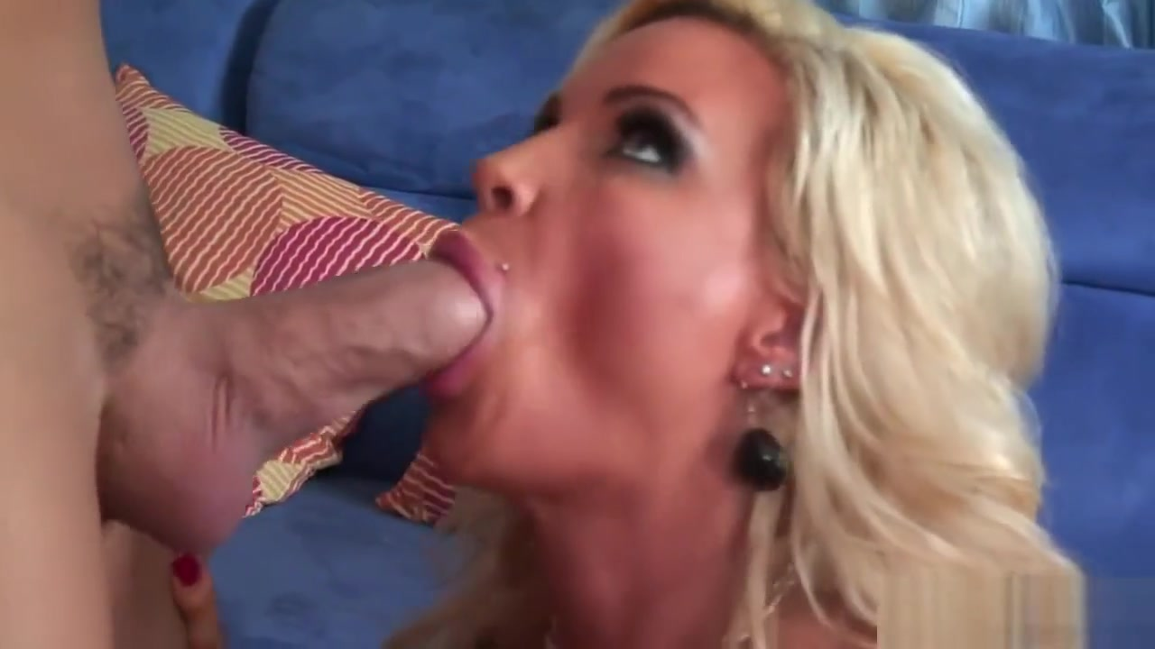 Sexy Video Teen eats out stocking ho