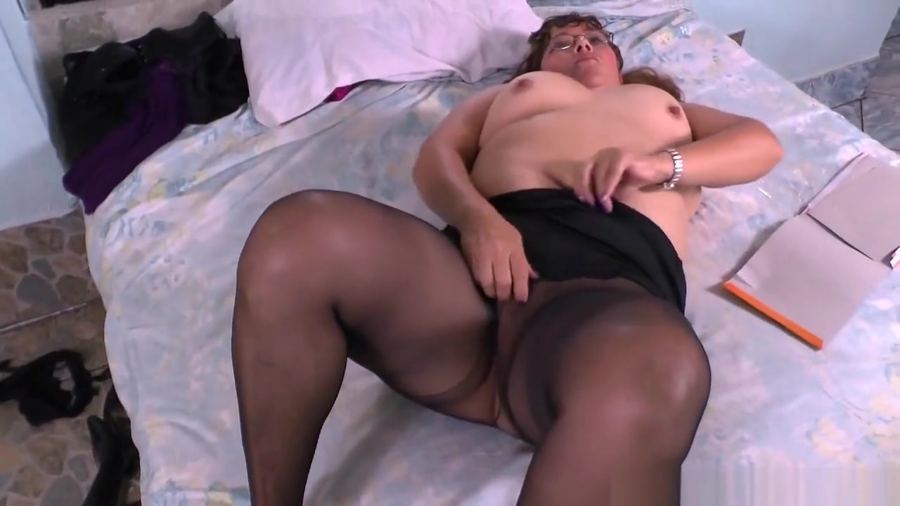 Naked Galleries Cougar cumshot big tits fully clothed