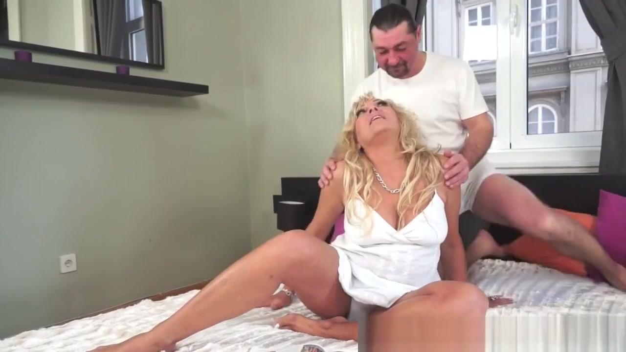 Porn tube Jayma mays upskirt