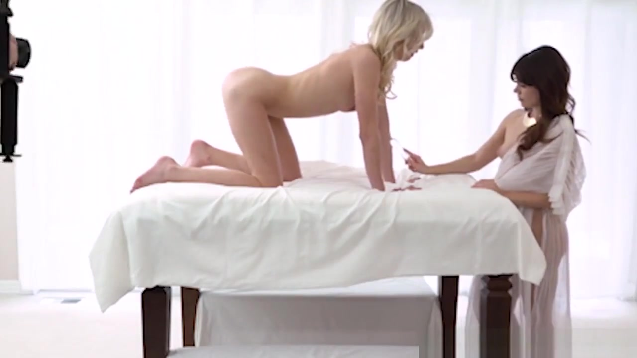 Lesbiam fuckuf Beach porn