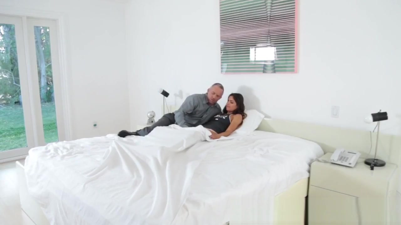 Porn FuckBook Milf cant take dick