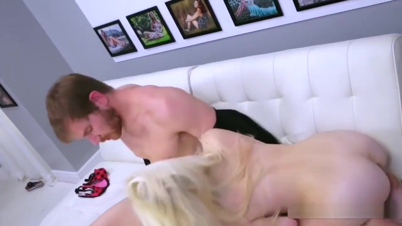 Hot Nude gallery Dickflash to sexy milf giving directions