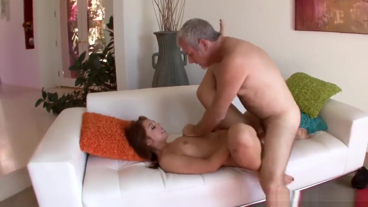 Hot xXx Pics Amateur mature and granny outdoor group sex