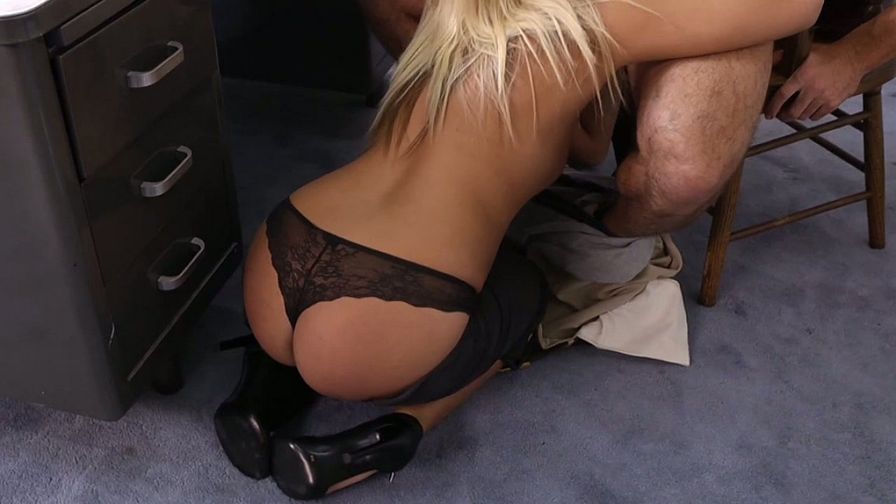 Sexy coed party Good Video 18+