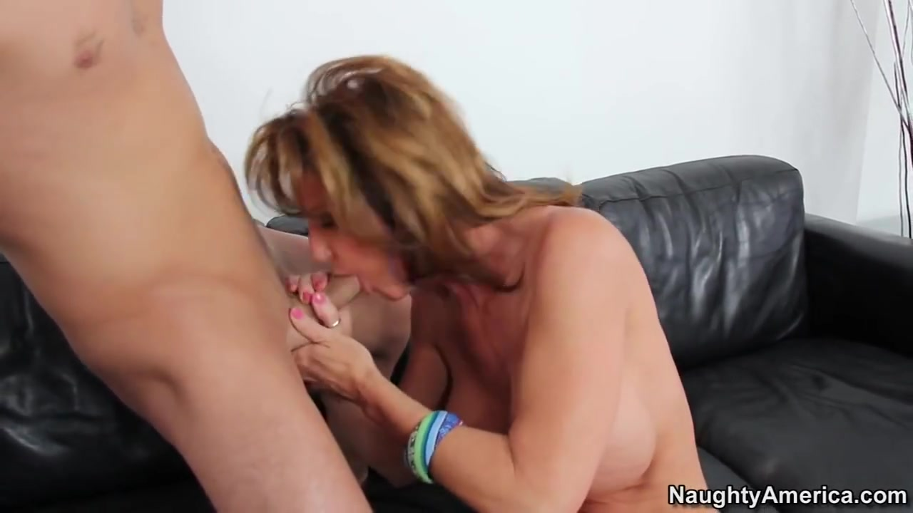 Porn tube Tommy lees flashes penis