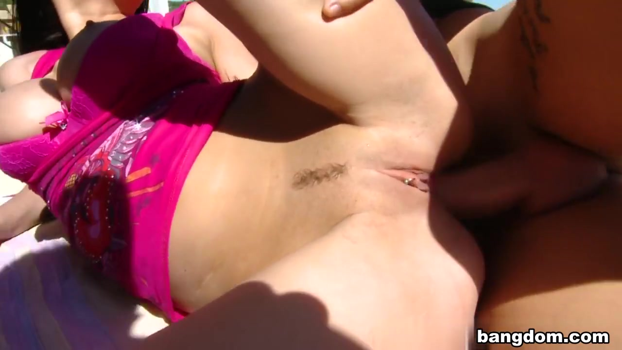 Adult gallery Busty slut has her tits punched