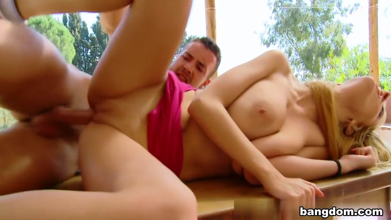 Milf flaunts all for webcam Porn pic