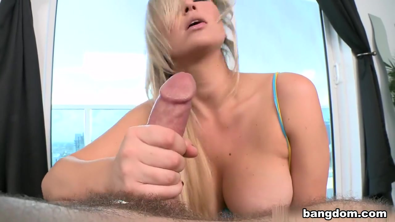 Hot naked women showering Quality porn