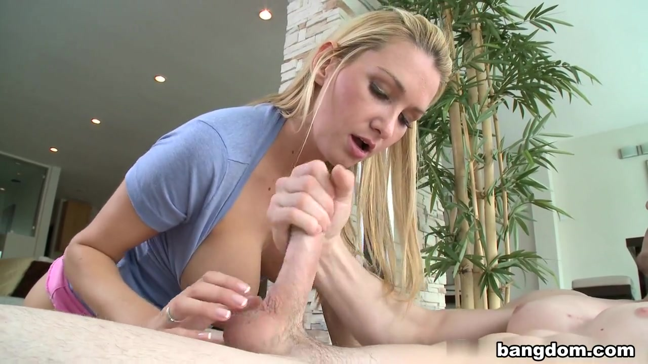 Hot milf jana cova masturbates in stockings XXX Video