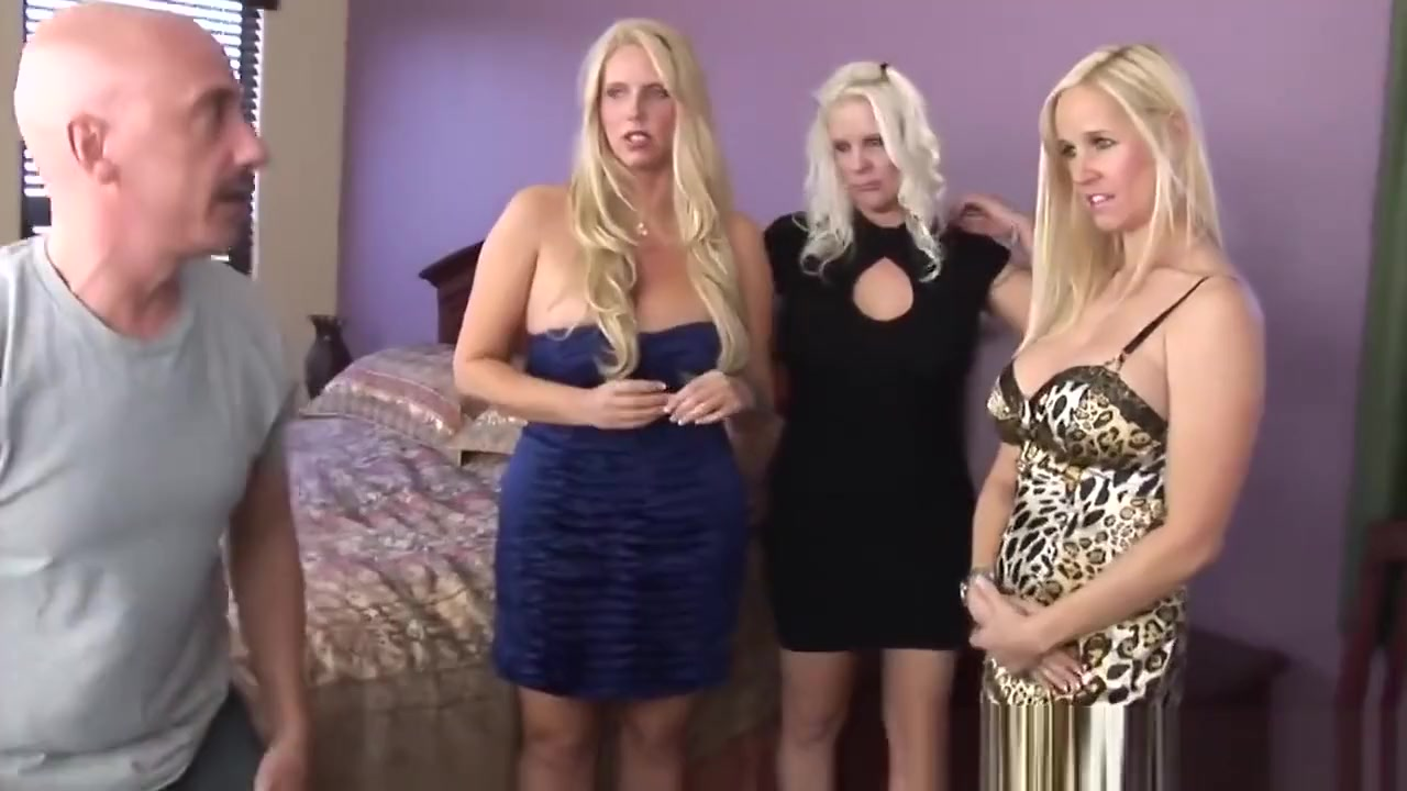 Busty Cougars Sharing Two Long Dongs In Fivesome Free mature mp4