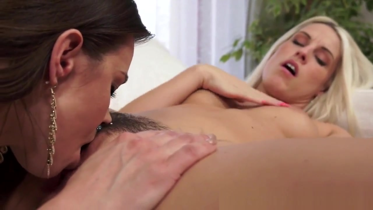 Homemade Softcore orgasm lesbians
