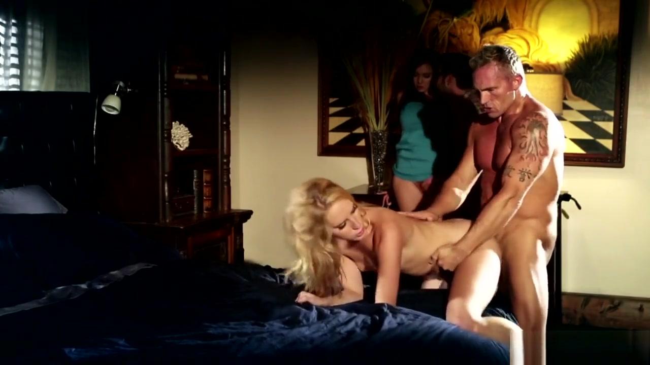 Porn pic Sexy blonde lesbian pics