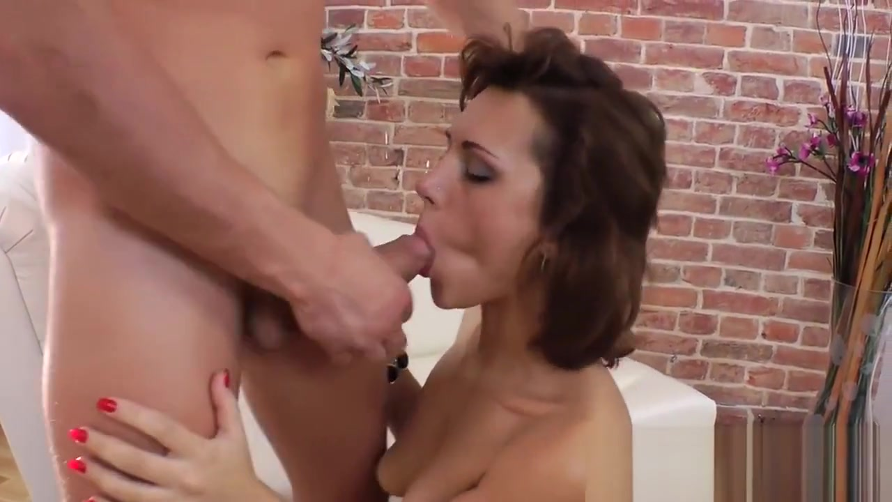 XXX Porn tube Freckled milf pained nails