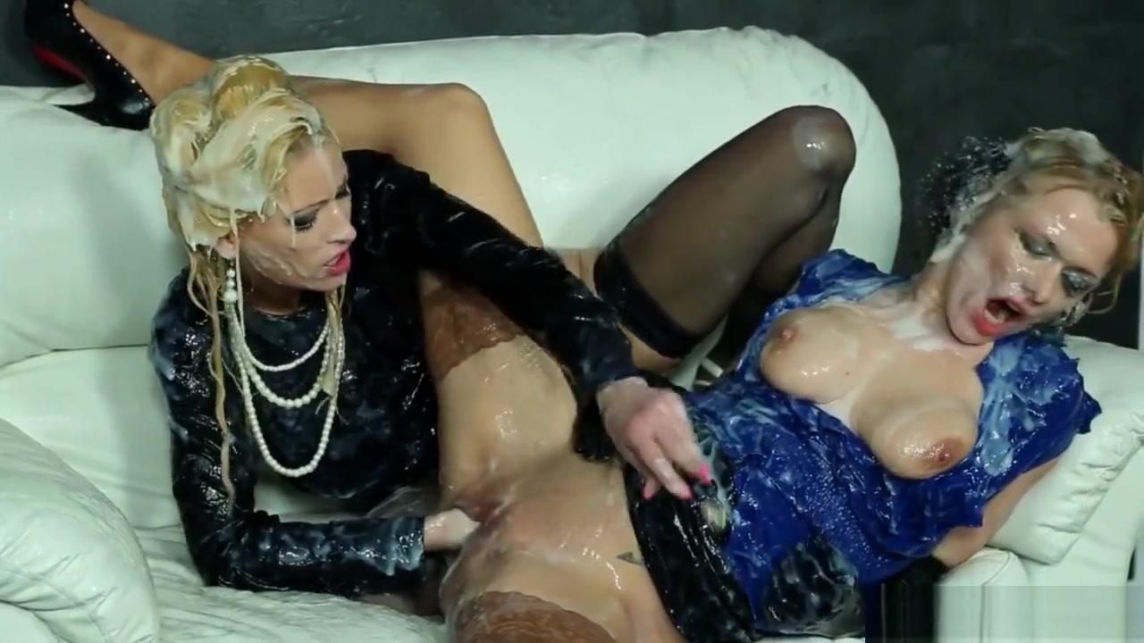 Fucker webcam Lesbiana fucker
