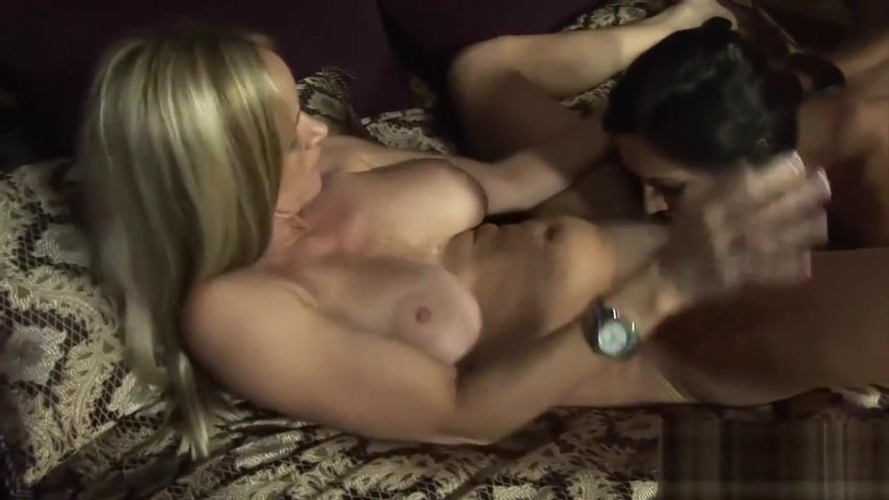 Closet Massage naked lesben