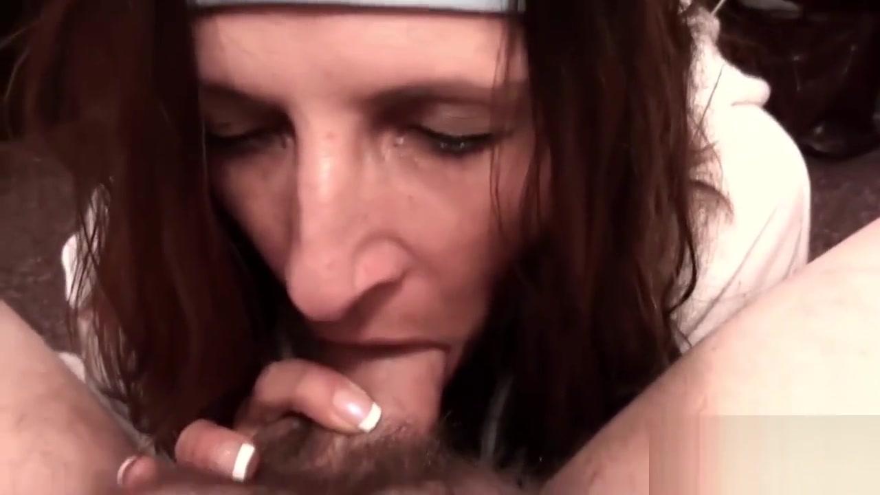 Sex photo Pierced milf porn