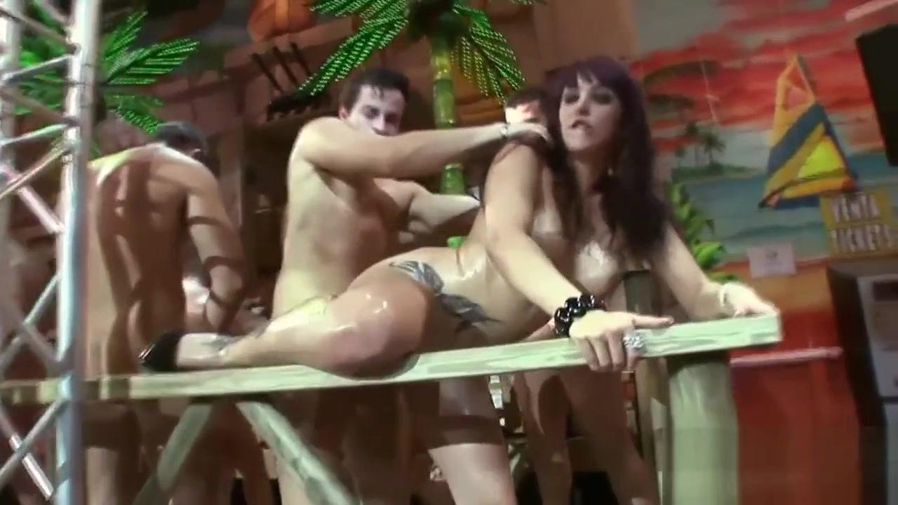 All porn pics Threesome hotel masturbation videos