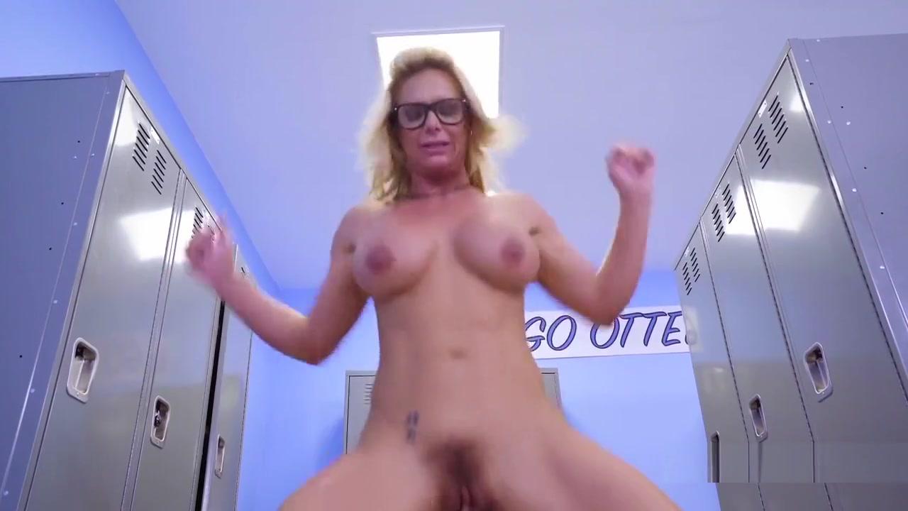 Naked FuckBook Mature licks nice cock