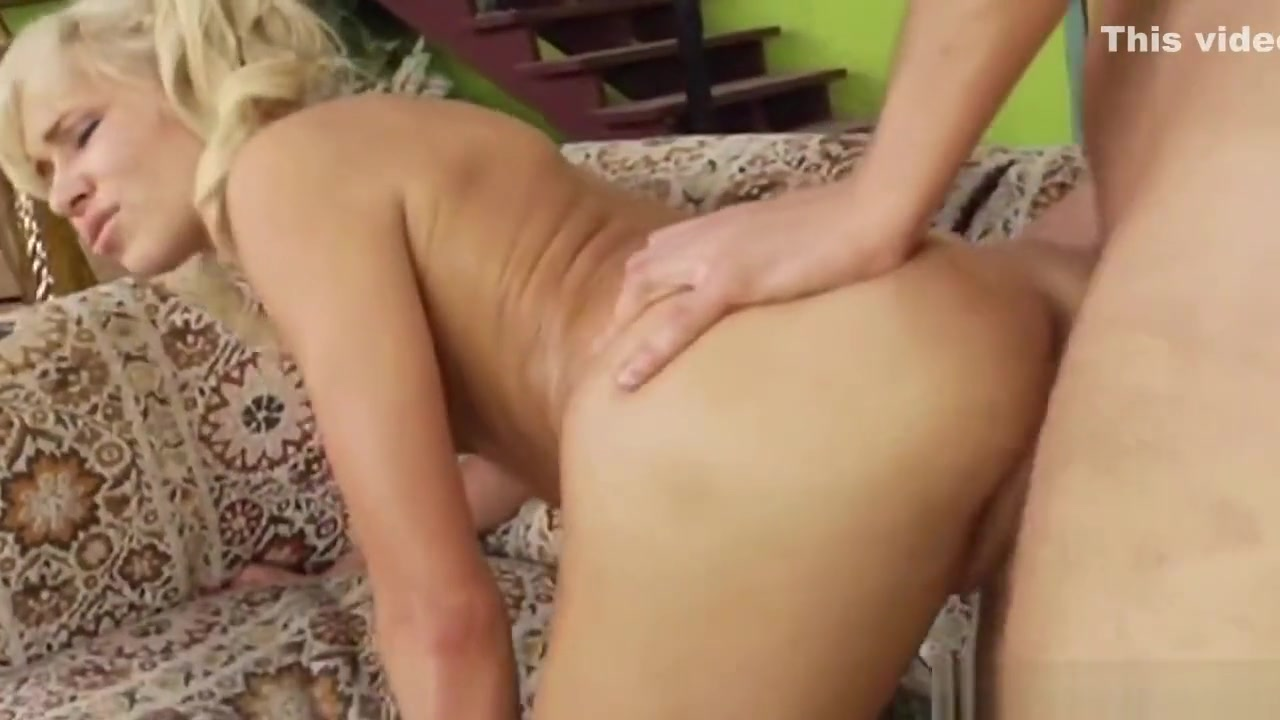 Sexy por pics Brunette erotic pics