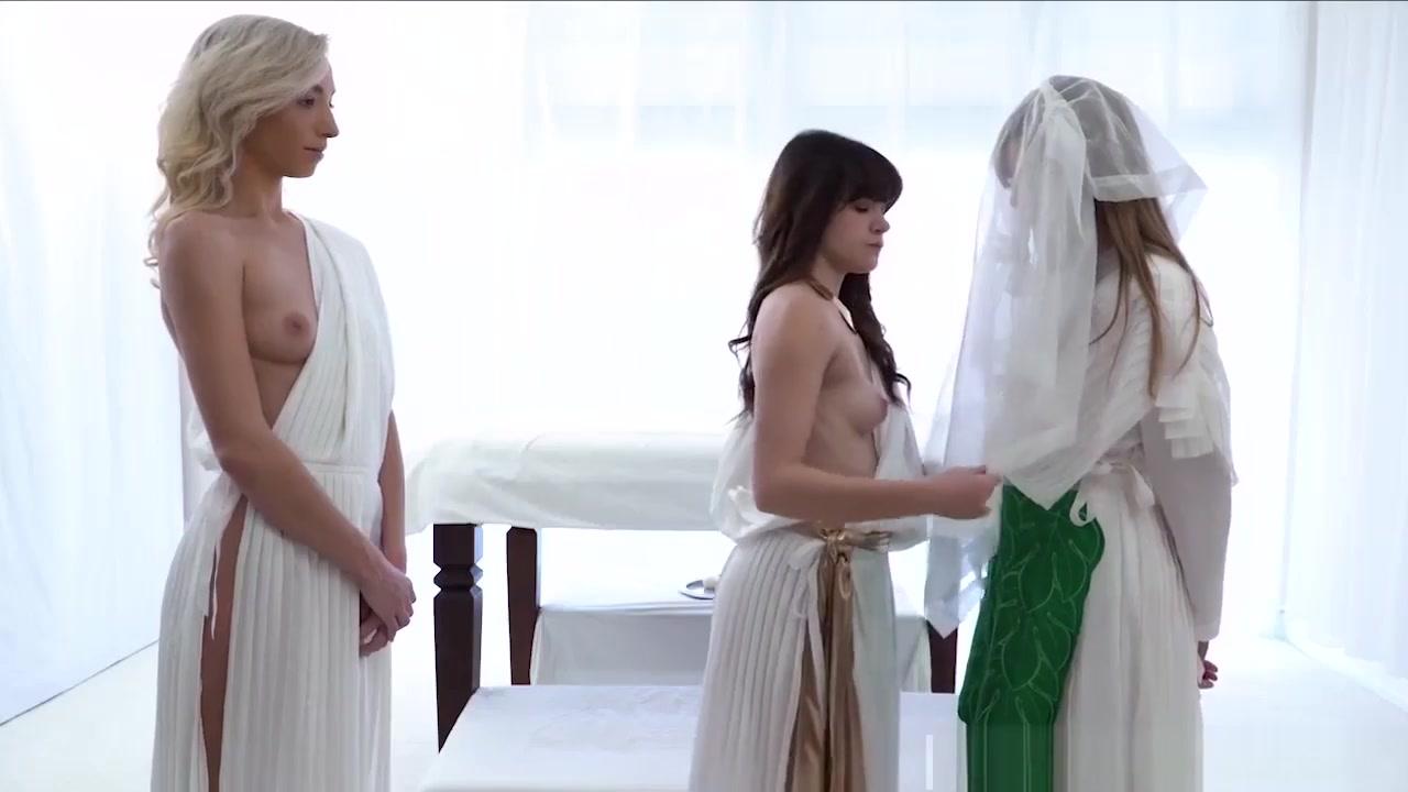 Lesbians sexc fucks Blonde