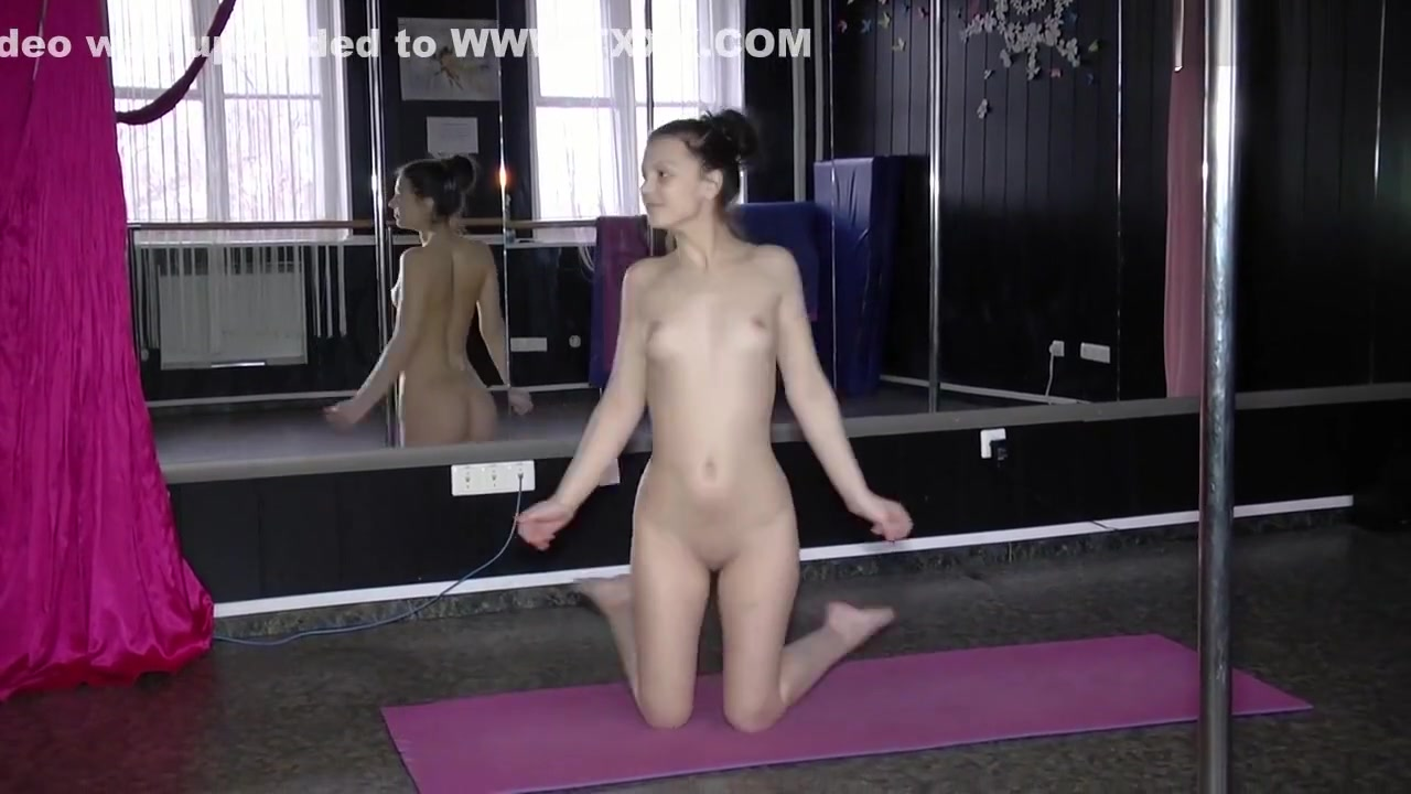 XXX Porn tube Free young russians naked