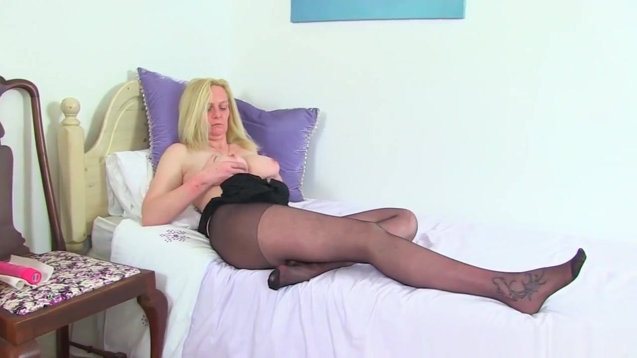Sexy xxx video He is hookup someone else but still contacts me
