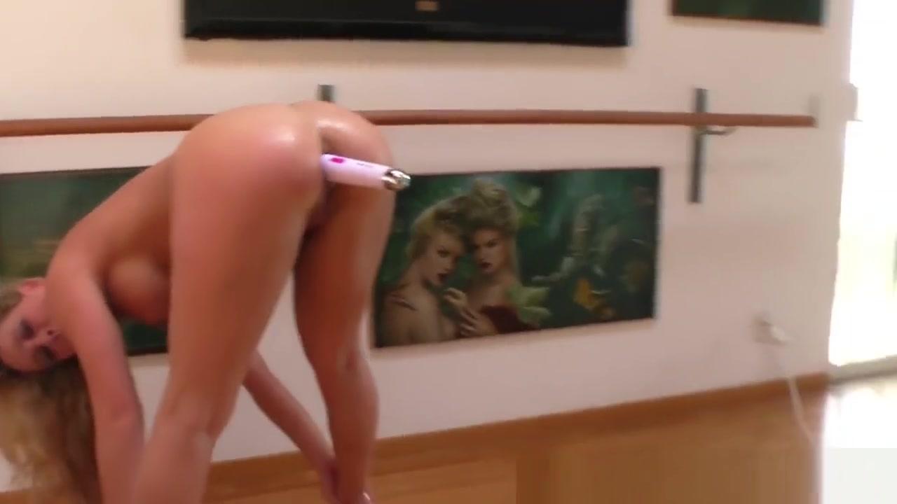 Porn pictures Skinny naked girls next door